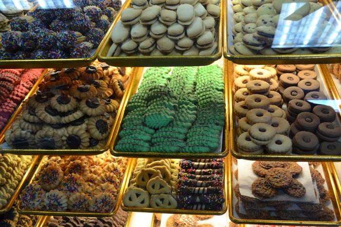 astoria cookies baked goods macaroons