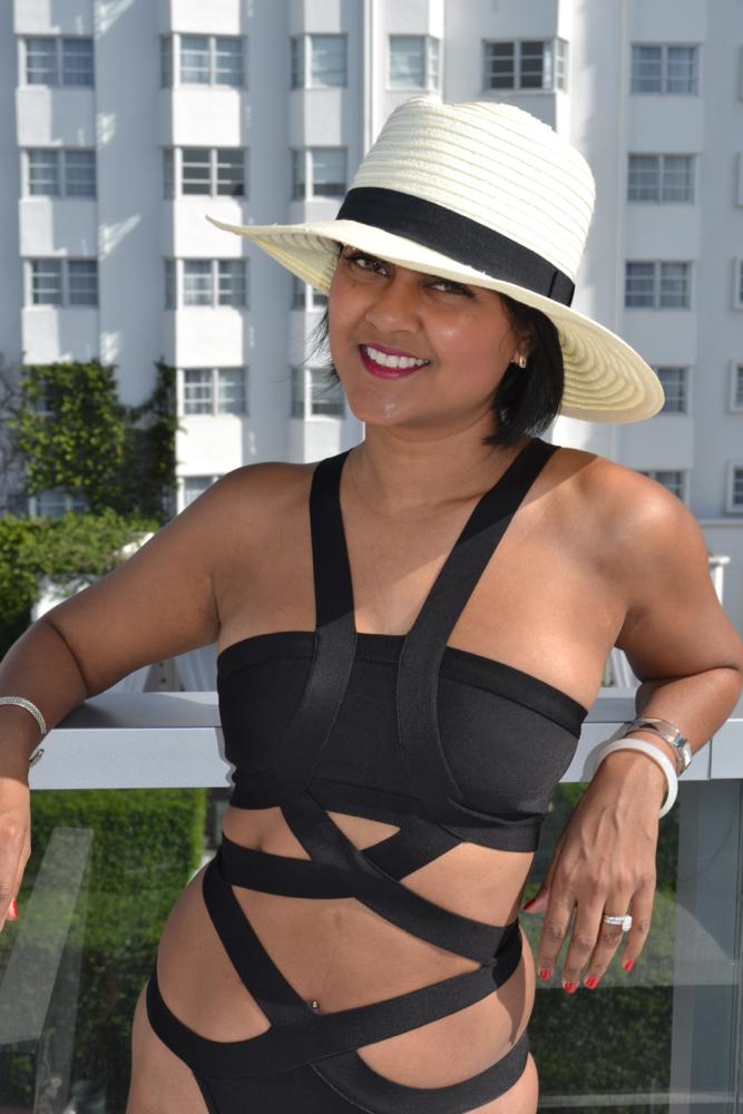 one-piece black swimsuit astoria in heels