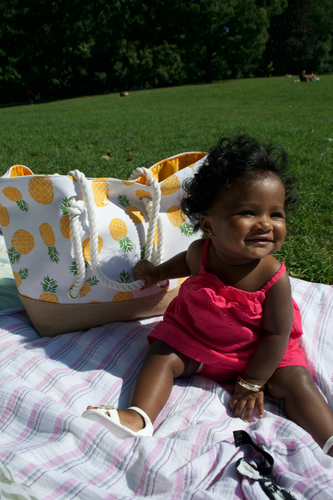 what to carry in baby bag to the park